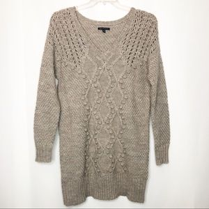 American Eagle Chunky loose Knit V-Neck Sweater